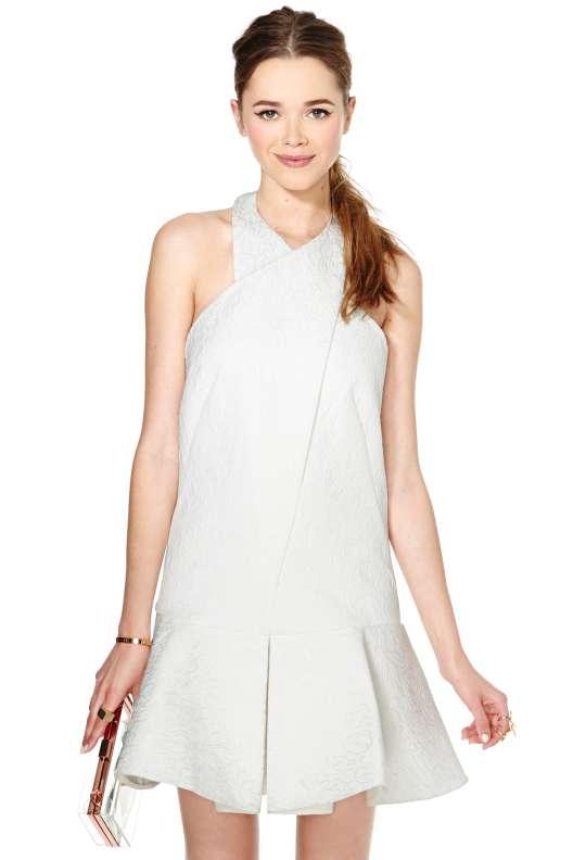 صور اخر موديلات الفساتين بالاسواق