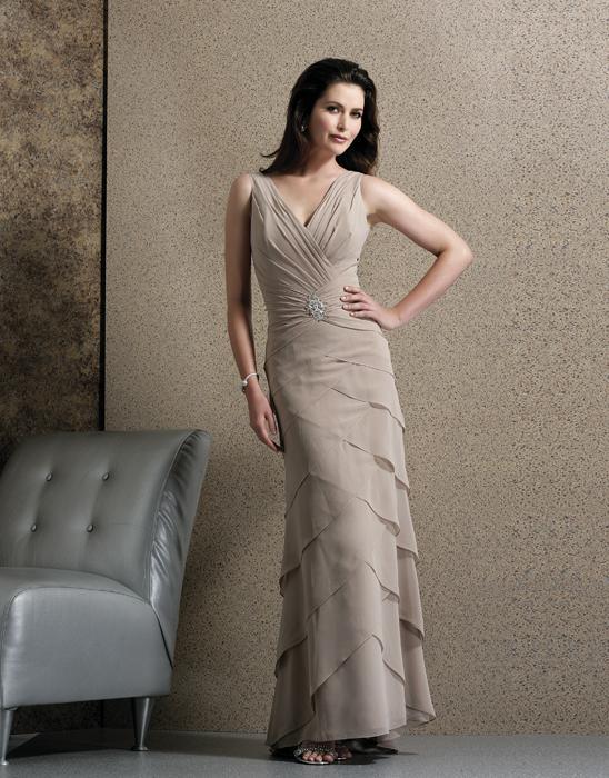 صور اخر موديلات الفساتين بالاسواق , ارقى ملابس حديثة بالسوق