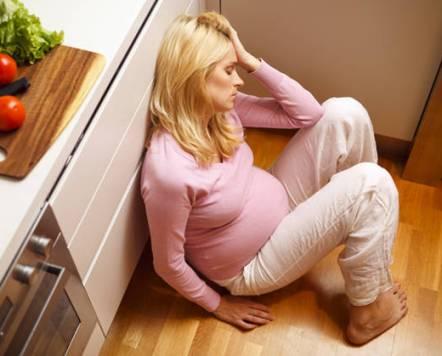 صورة متى ينزل دم دليل علي الحمل