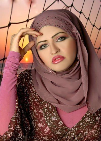 img-girl-egypt 9).jpg 401×563)