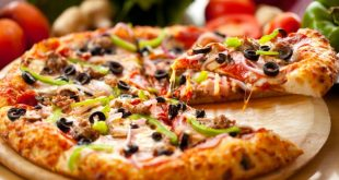 صورة كيفية تحضير البيتزا بعجينة 10 دقايق