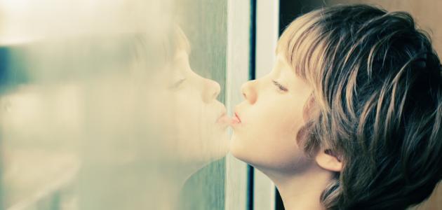 صور ما هو التوحد عند الاطفال