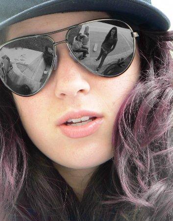 صورة صور بنات لابسين نظارات كيوت