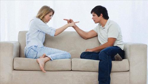 صور كيف تجعل المراة زوجها خاتم في اصبعها بالسحر
