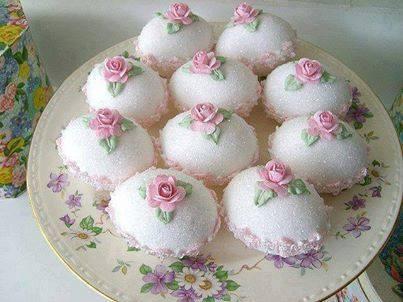 صوره حلويات جزائرية للاعراس