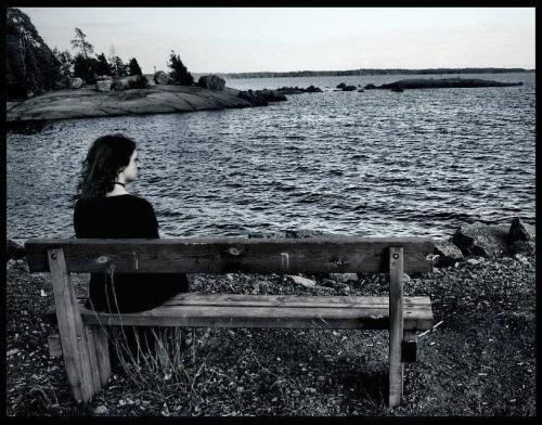 صورة موضوع عن الغربة