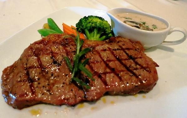 صور صينية المكرونة باللحم البتلو والخضراوات, احدث واسهل طرق صينيه مكرونه