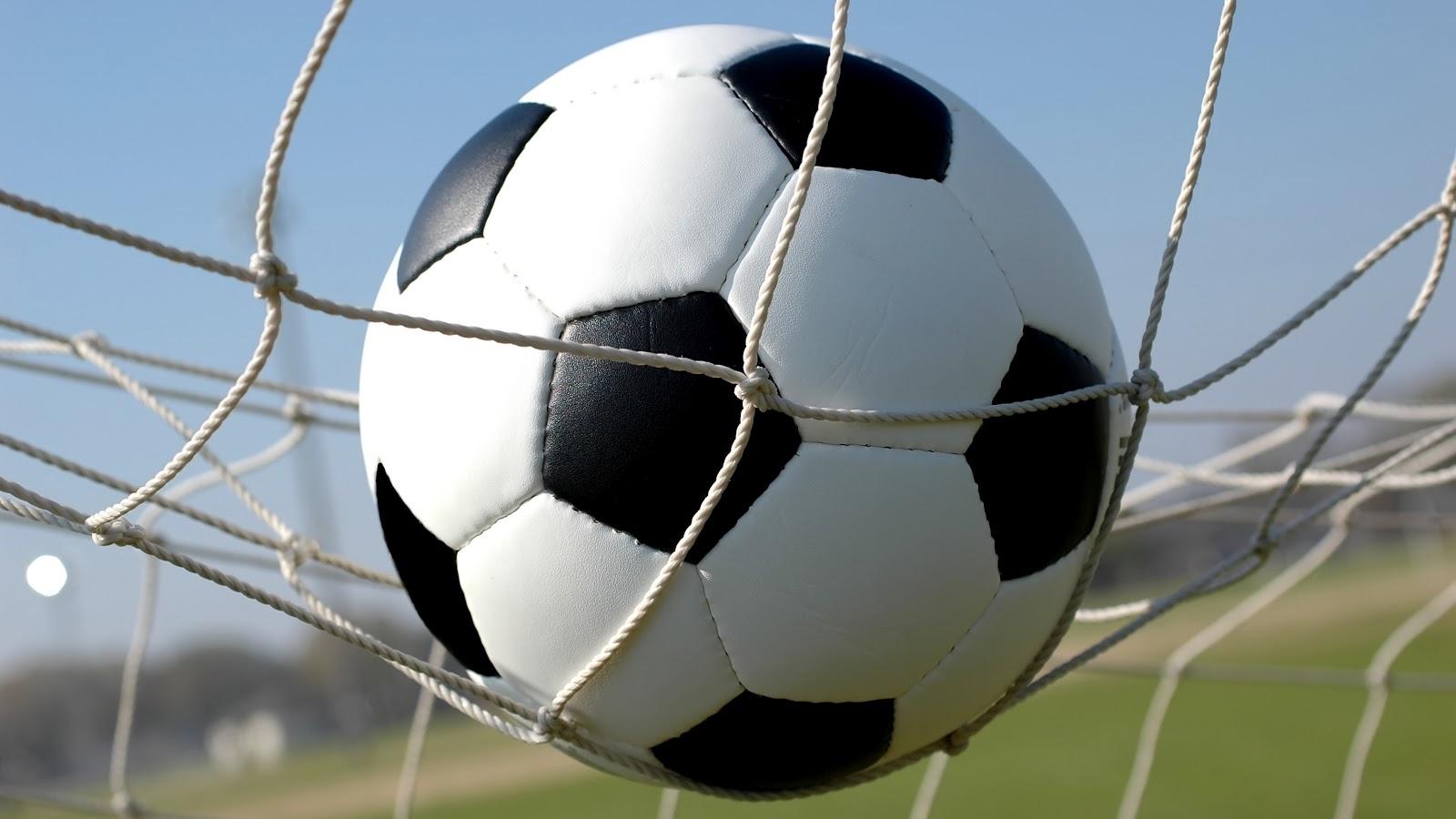 صور موضوع عن كرة القدم بالانجليزي