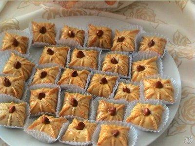 صور طريقة عمل الحلوى المغربية