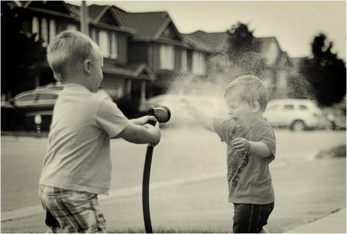 صور شعر عن الطفولة قصير