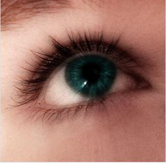 صور عيون خضراء حزينة
