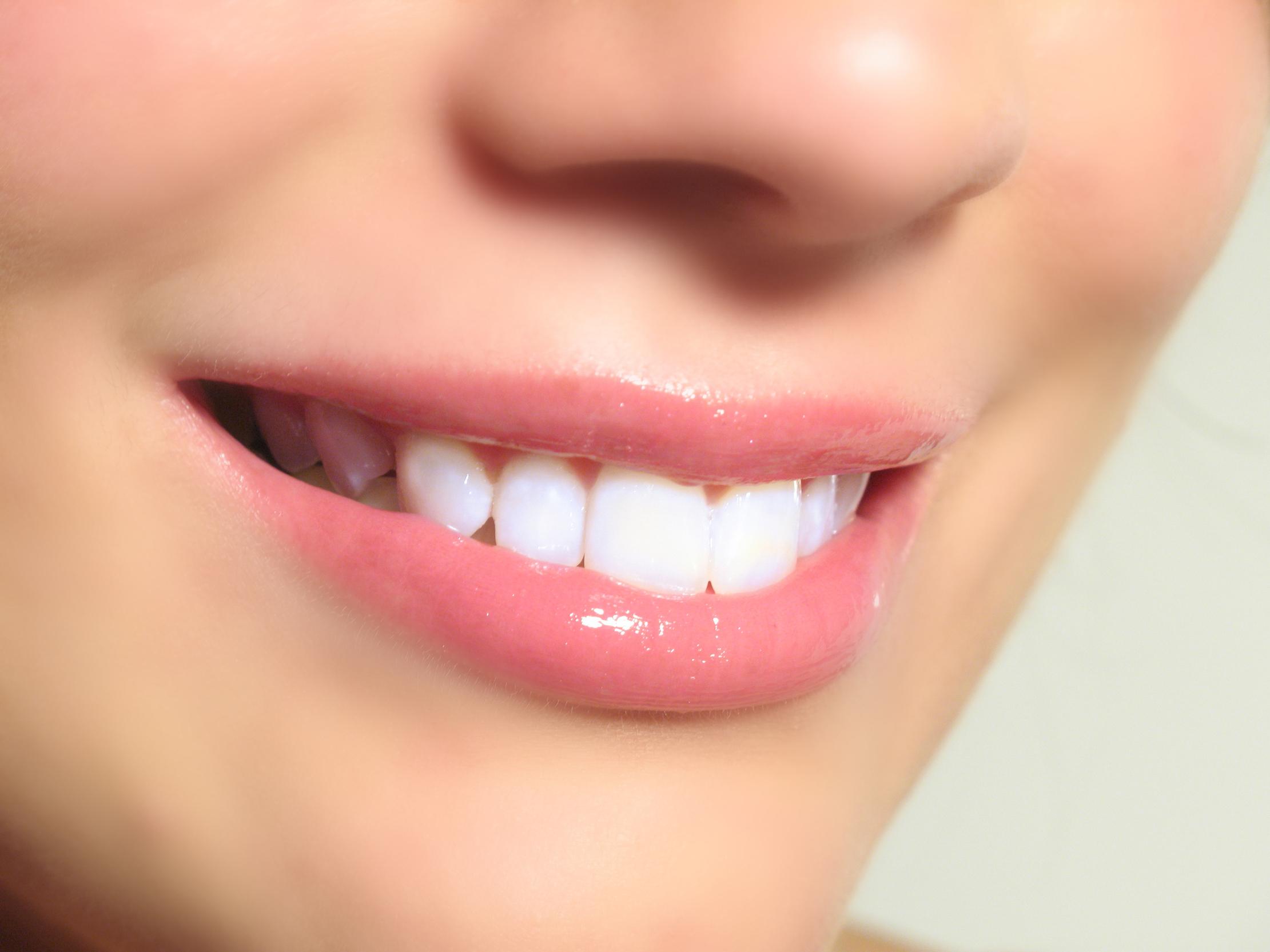 صور موضوع عن الاسنان قصير