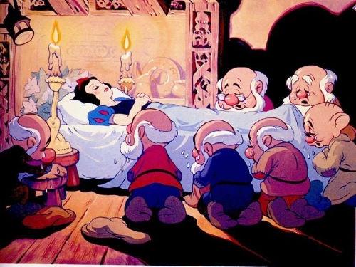 صور قصة بنت الثلج والاقزام السبعة