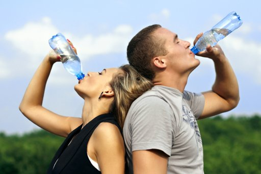 صورة فائدة شرب الماء على معدة فارغة