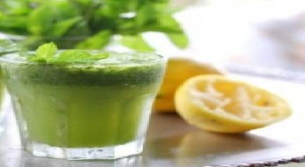 صور طريقة عمل عصير النعناع والليمون