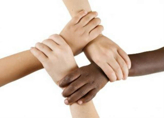 صوره العنصرية