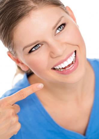 صور تبييض الاسنان المنزلي