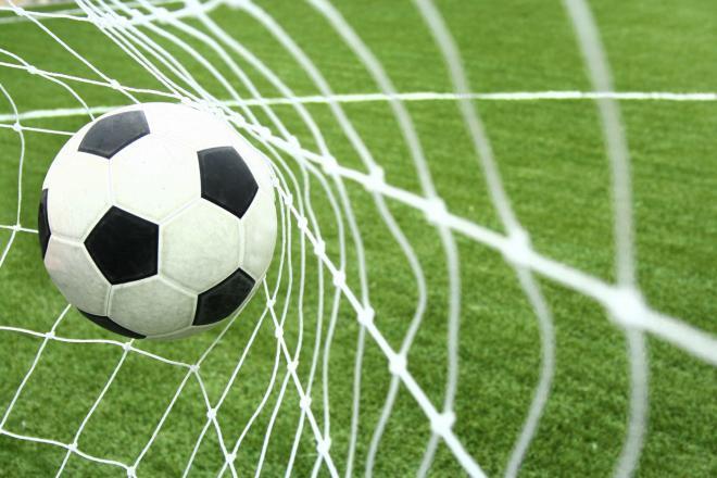صورة موضوع عن كرة القدم باللغة الانجليزية