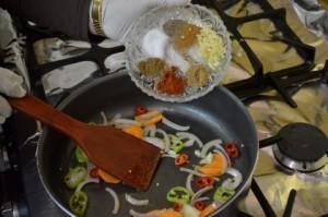 618 300x199 طريقة تحضير صينية بطاطس باللحم