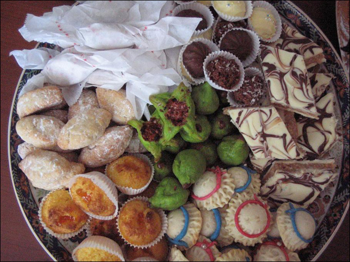 صورة حلويات ليبية , تشكيله حلويات روعه
