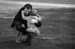 صور اجمل اقوال عن الاب