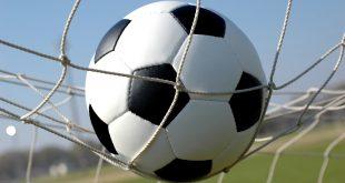 صورة موضوع عن كرة القدم بالانجليزي