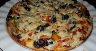 طريقه عمل البيتزا بعجينة سهلة