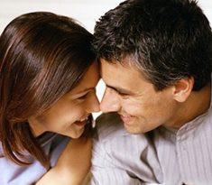 صور كيف تحمل المراة من رجل