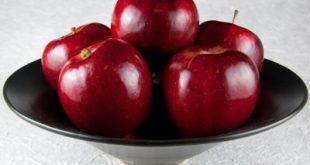 اكل التفاح والبشرة