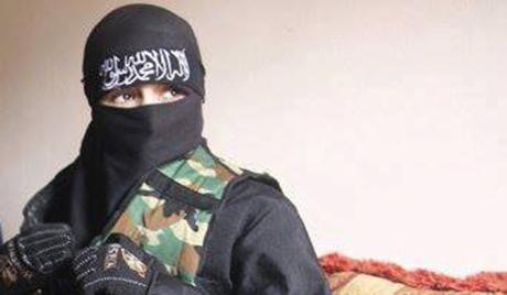 صورة عائشة البكري , فتاة سوريا المتبرجة