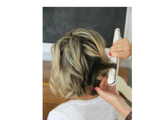 صور طريقة استخدام مكواة الشعر