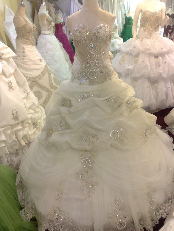 صور فساتين بنات للاعراس من اصل تركي