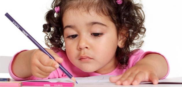 صورة تعليم الاطفال القراءة والكتابة بالصور