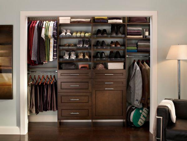 arrange wardrobe clothes