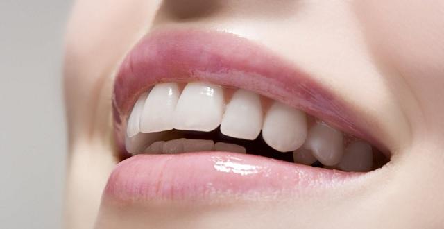 تبييض-الاسنان-بالليزر