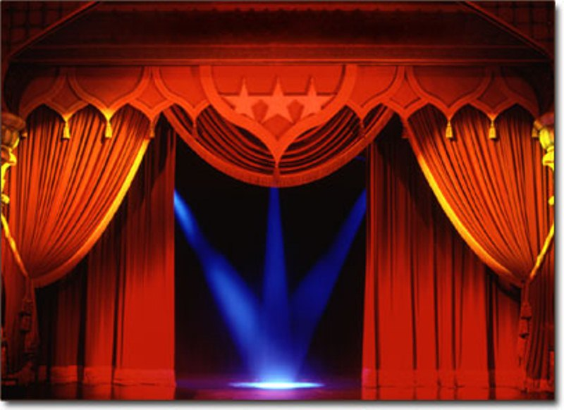 بالصور نص الموضوع على المسرح 20160813 279