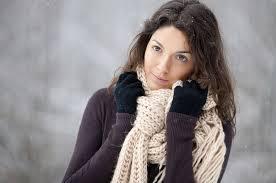 صورة السبب في شعور الفتيات بالبرد , اكثر من الرجال