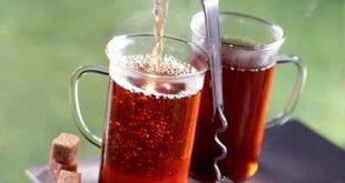 صورة تثير الشاي على الانسان