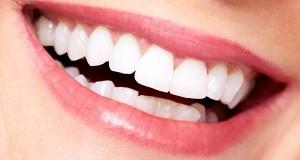 العناية بالاسنان وتبيضها