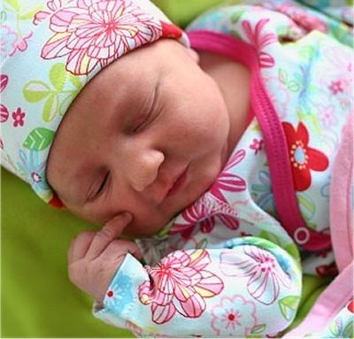 صور الطفل في الشهر 3