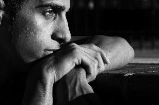 صوره مقال عن ثقافة الحزن