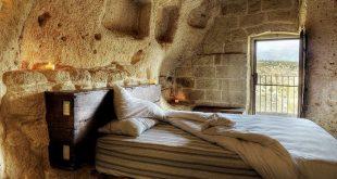 ديكورات غرف نوم مبنية