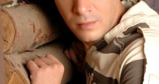 الفنان المطرب مصطفى كامل , صورة لمصطفي كامل