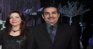 صور احمد عبد العزيز وزوجته
