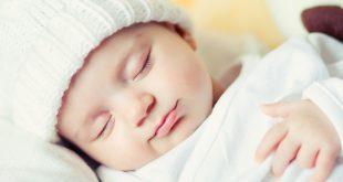صوره طفل نائم
