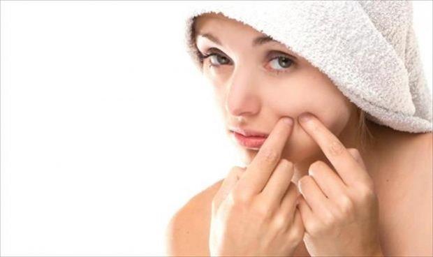 صورة كيف تحافظ على بشرتك من البثور وحب الشباب 15846 2