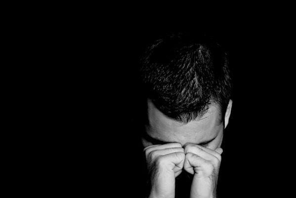 صورة صور رجال حزينة