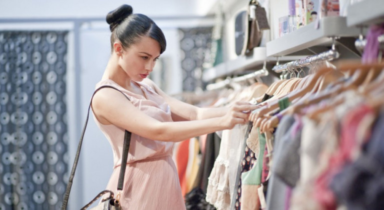 صور نصائح عند شراء الملابس , نصيحة مفيدة لاقتناء الفساتين 2019