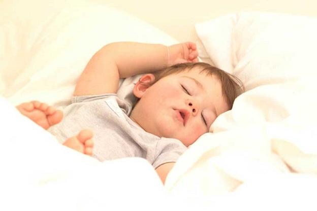 بالصور تفسير حلم طفل رضيع بين يديك 247834 1
