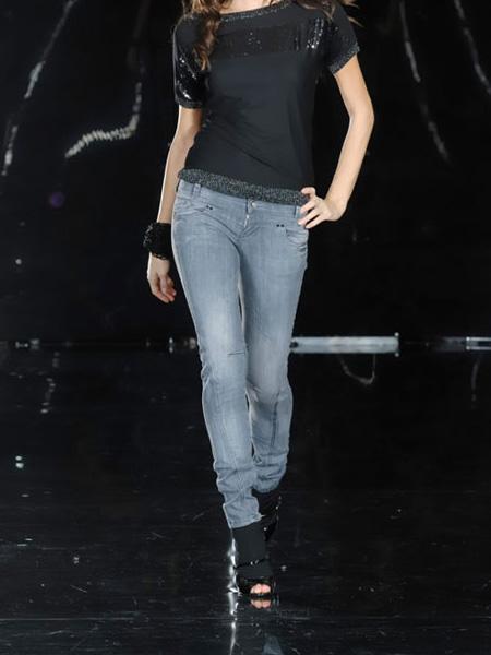 صورة تشكيلة جينزات تجنن , تشكيلة جينزات حلوة 2019